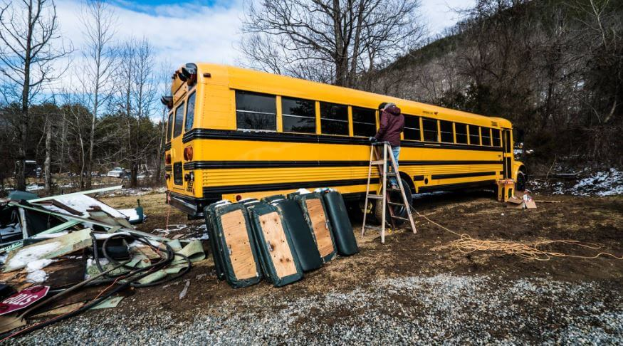 couple-builds-dream-home-school-bus_003