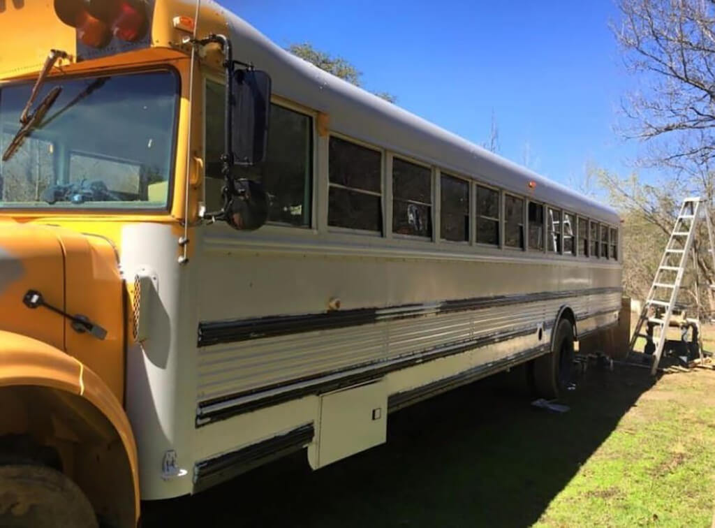 couple-builds-dream-home-school-bus_009