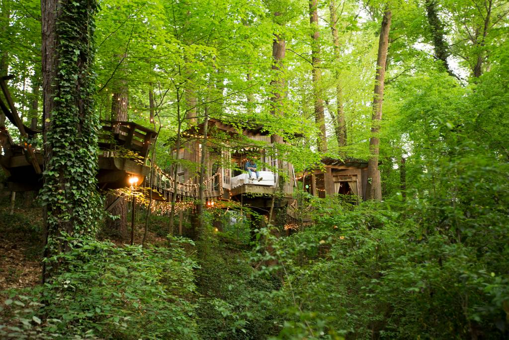 secluded intown treehouse atlanta