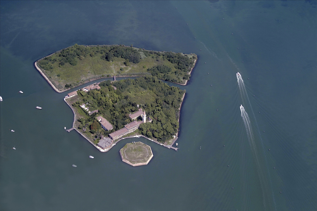 secret places italy poveglia island