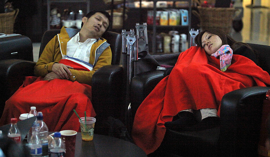 psasengers sleeping at dfw