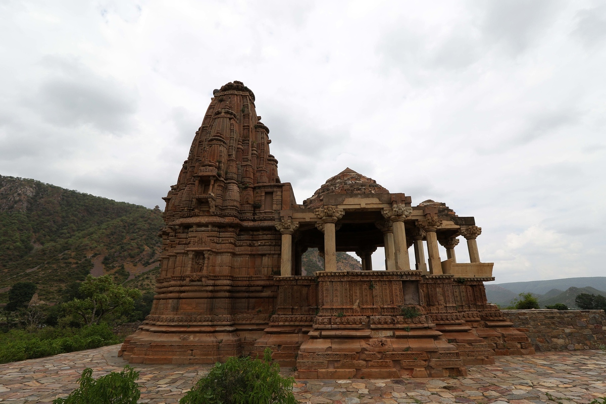 The Bhangarh Fort is India's most haunted place ever in history.