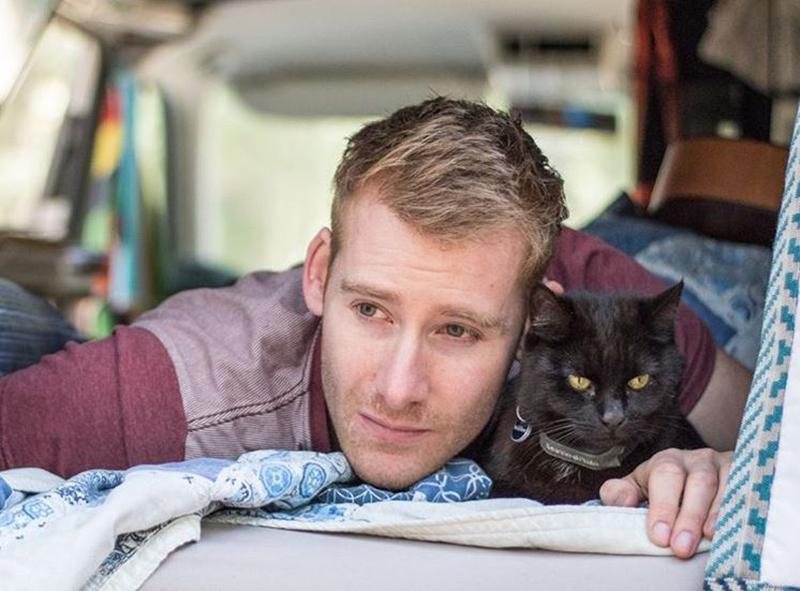 van-life-with-cat