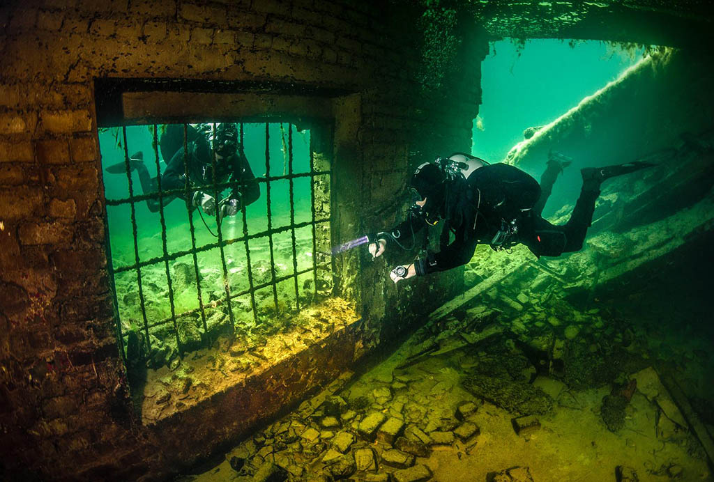 Divers exploring the gulag