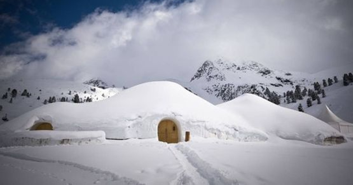 an igloo home in the snow