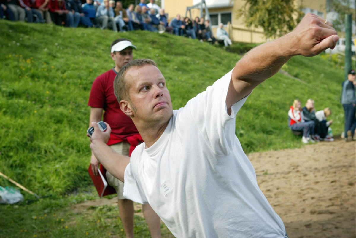 Finn Ville Piippo set the new world record (82,55 m) at the annual Mobile Phone Throwing World Championship