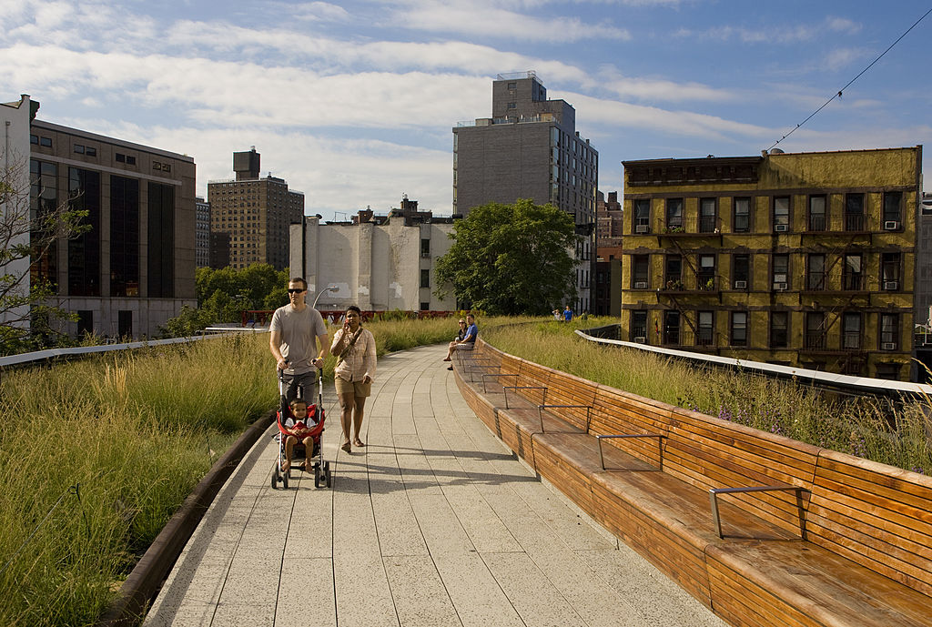 family walking the new york high line