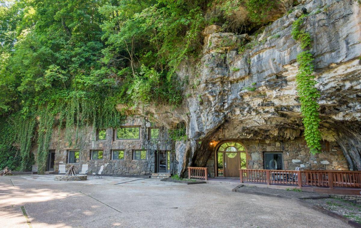 beckham-cave-exterior-two