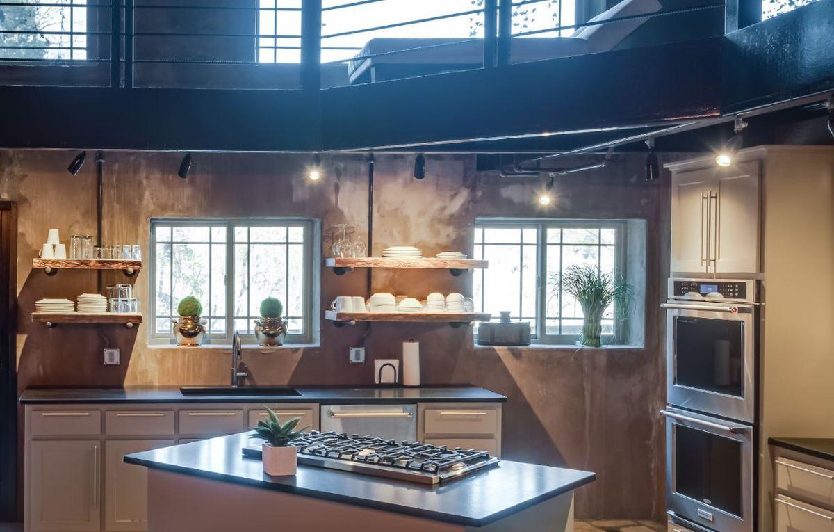 beckham-cave-high-end-kitchen