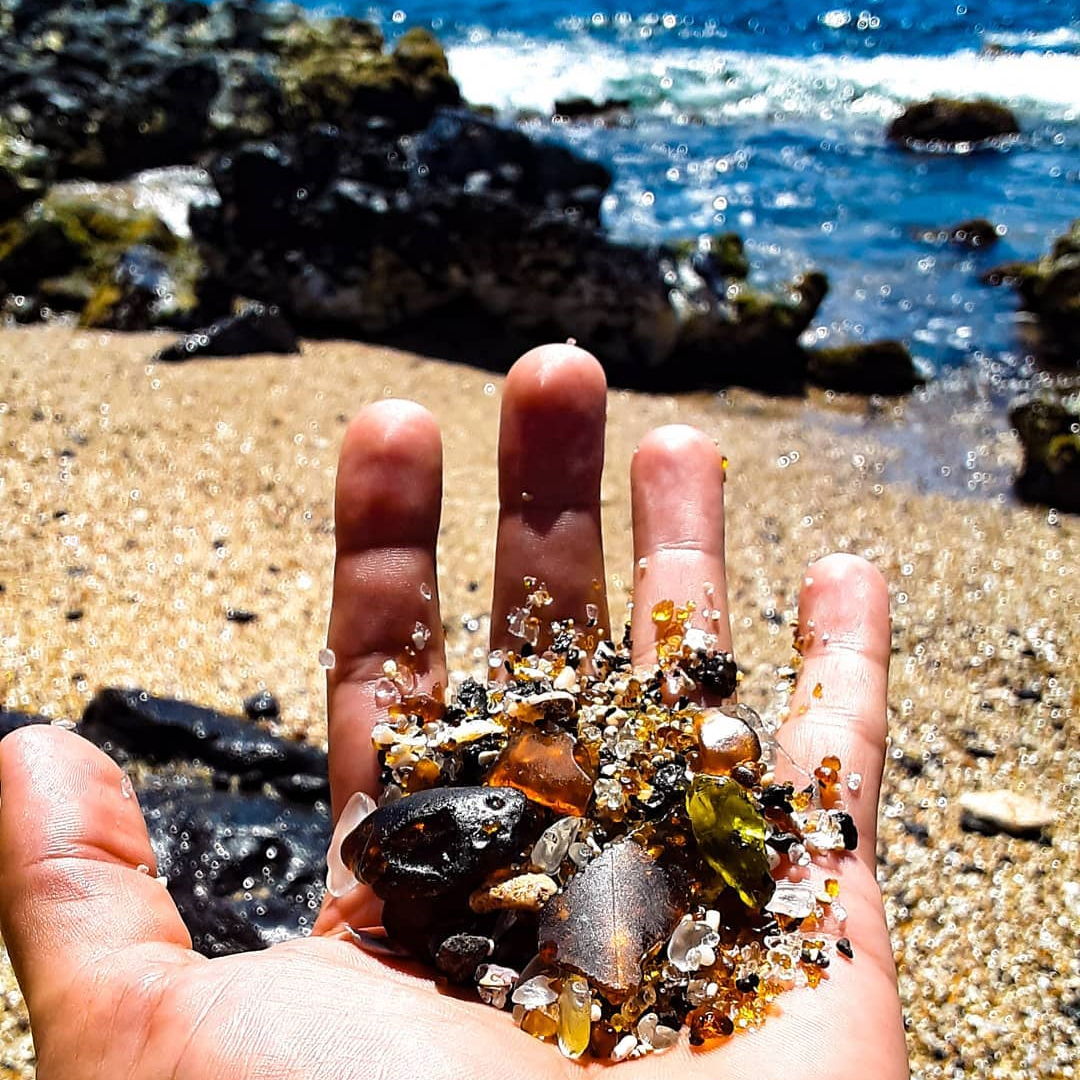 glass beach hand