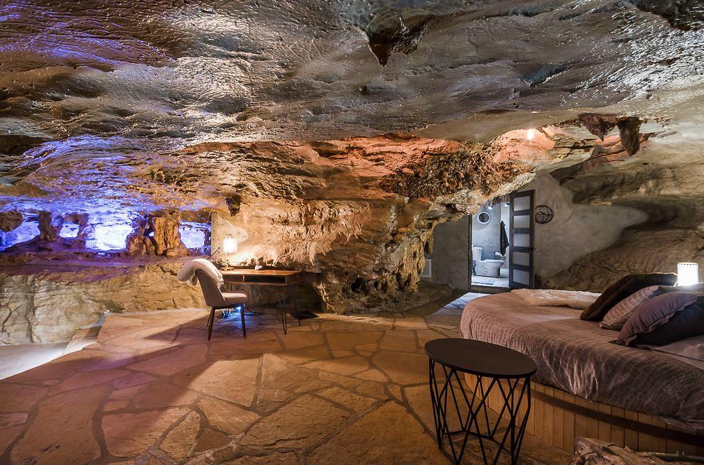 honeymoon-quite-beckham-cave