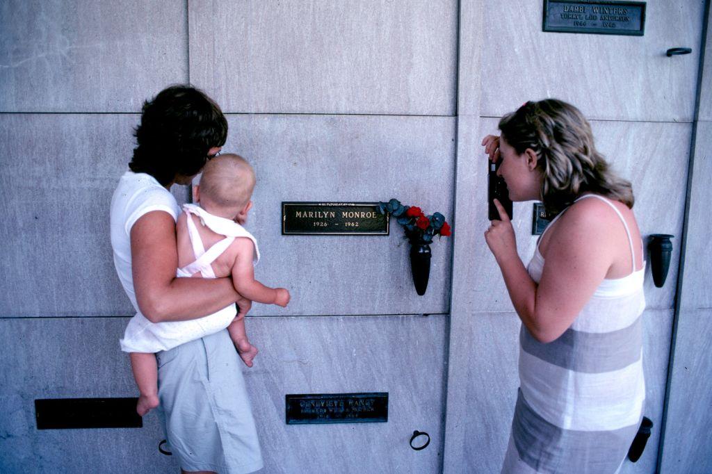 Marilyn Monroe's grave at Pierce Brothers Westwood Memorial Park