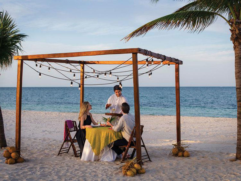 Excellence beach diners