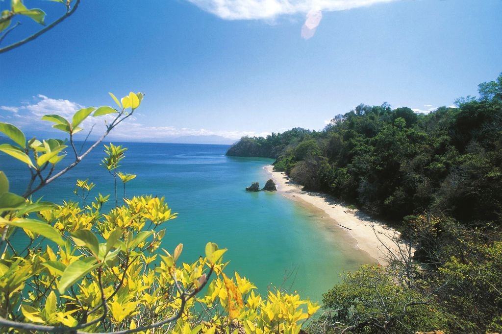 the isla tortuga beach in costa rica