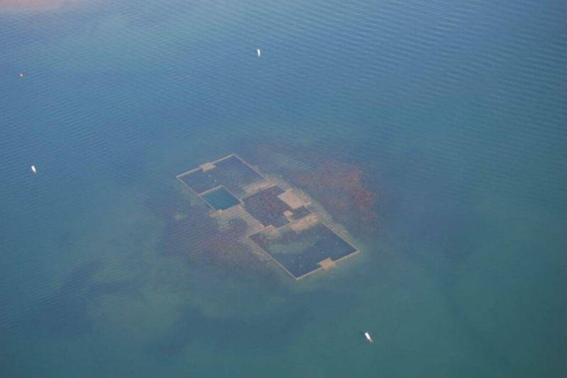 a sunken school