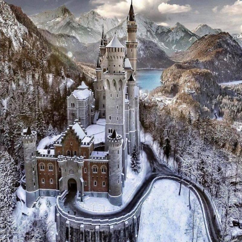 castle Schloss Neuschwanstein in Germany