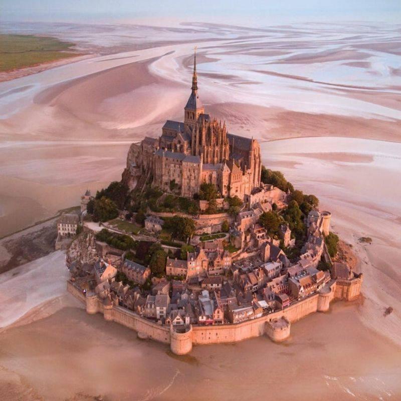mount saint michel in France