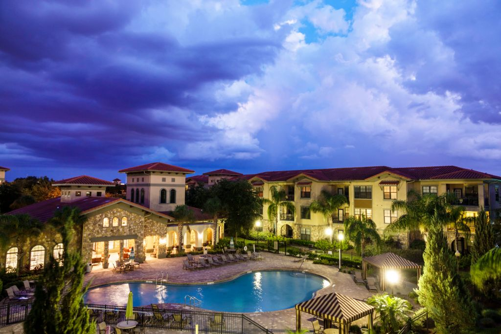 the outside of a condominium at dusk in Davenport, Florida