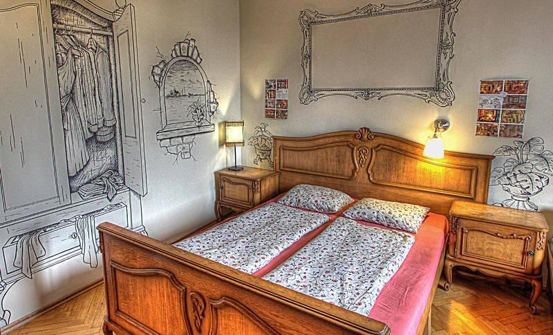 budapest lavender circus hostel