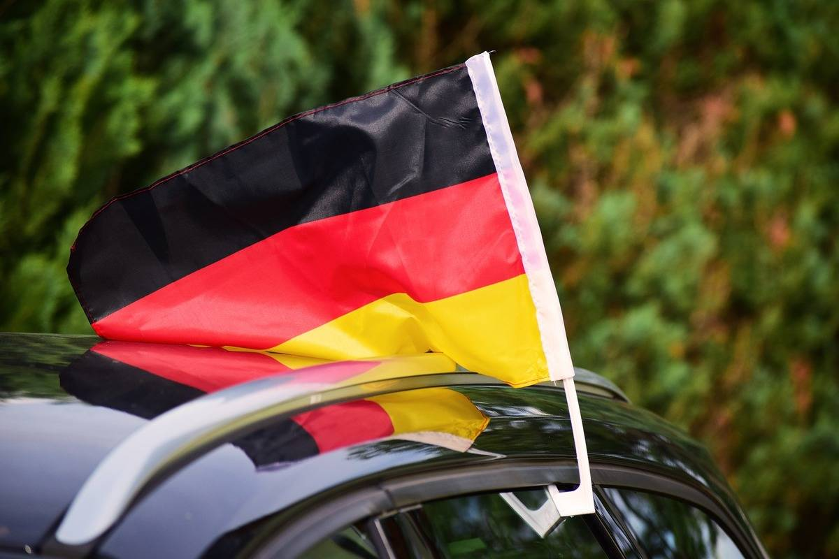 encouraging german flag
