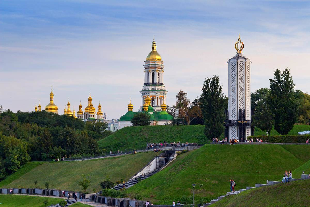 a gold and white monument in kyiv, ukraine