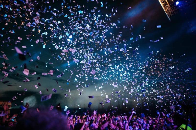 festival confetti