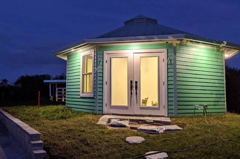shellmate island tiny house living