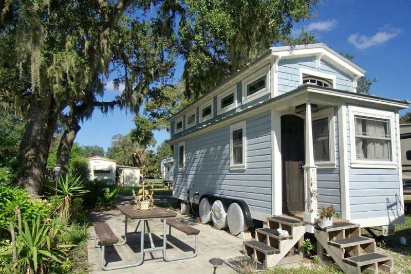 tiny house outdoor seating daylight