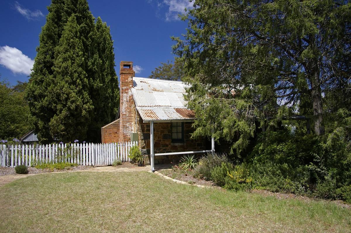 haunted cottage in Australia