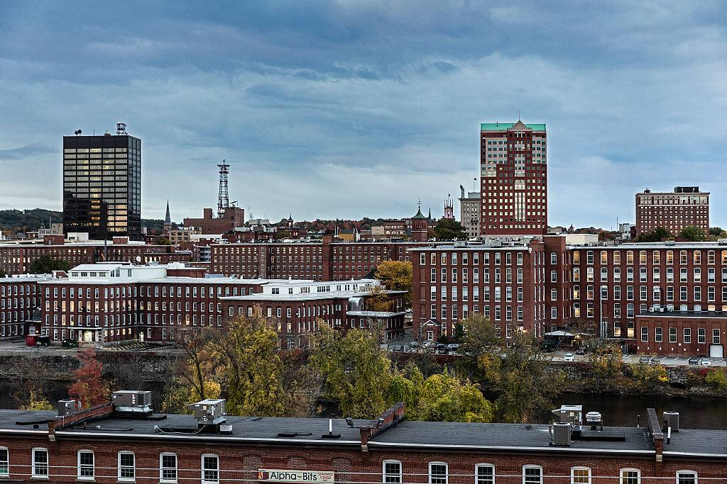 city skyline in manchester, new hampshire