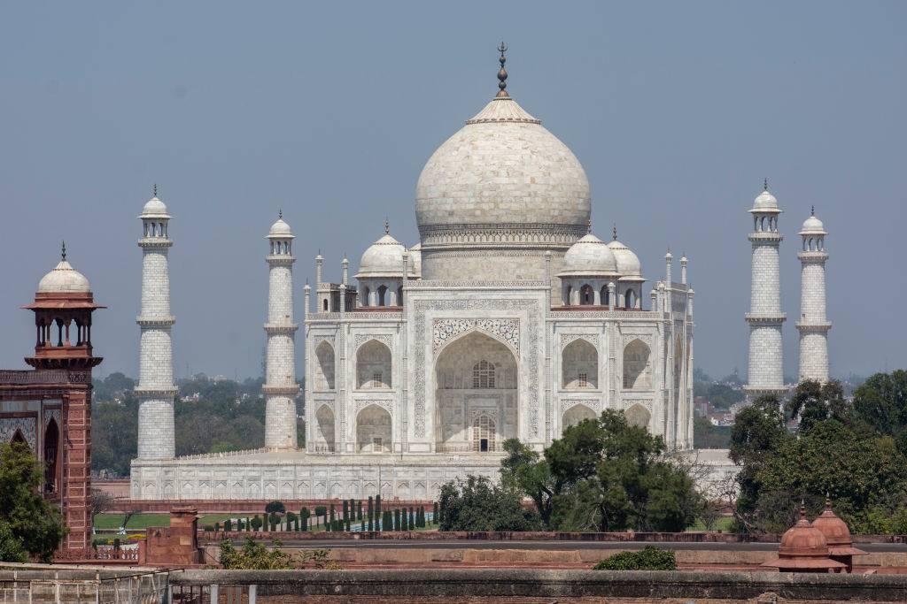 taj mahal in india left deserted