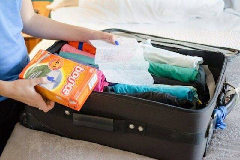 bounce dryer sheets in suitcase