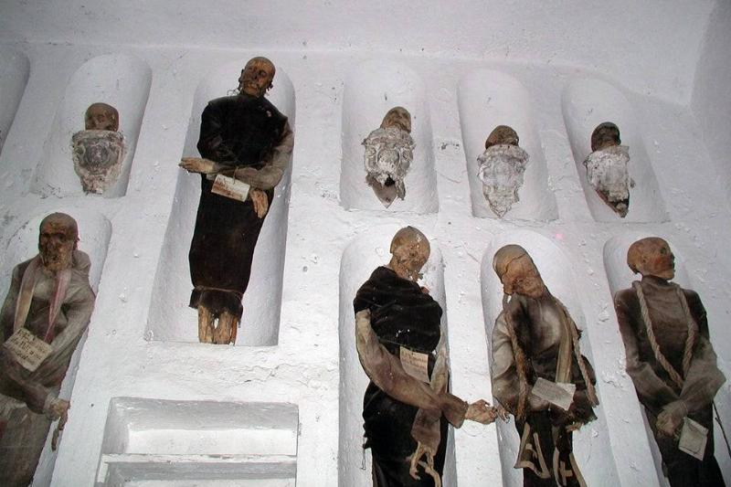 the catacombs in italy
