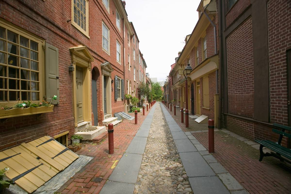 Elfreth's Alley with townhouses lining each side