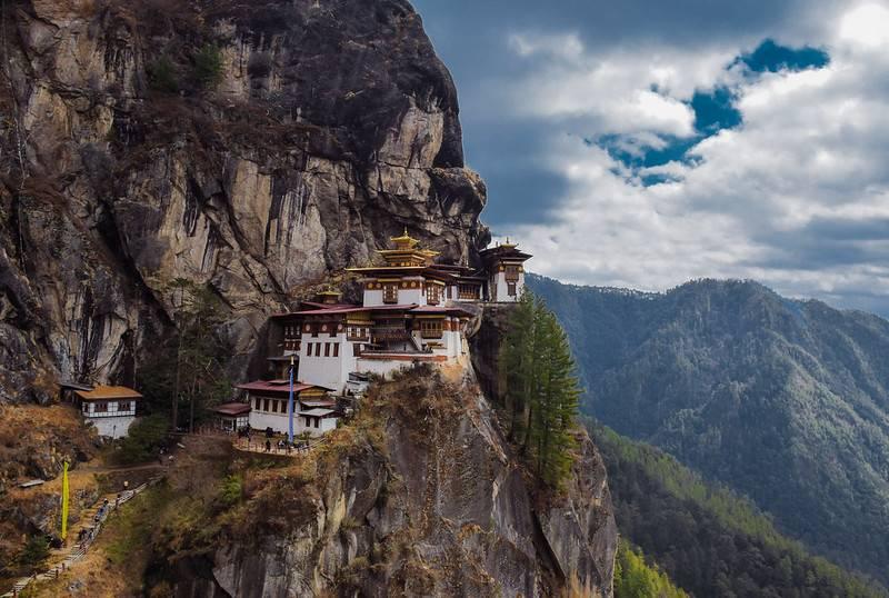paro taksang buddhist monastery bhutan