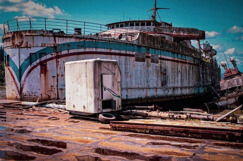 an abandoned ship