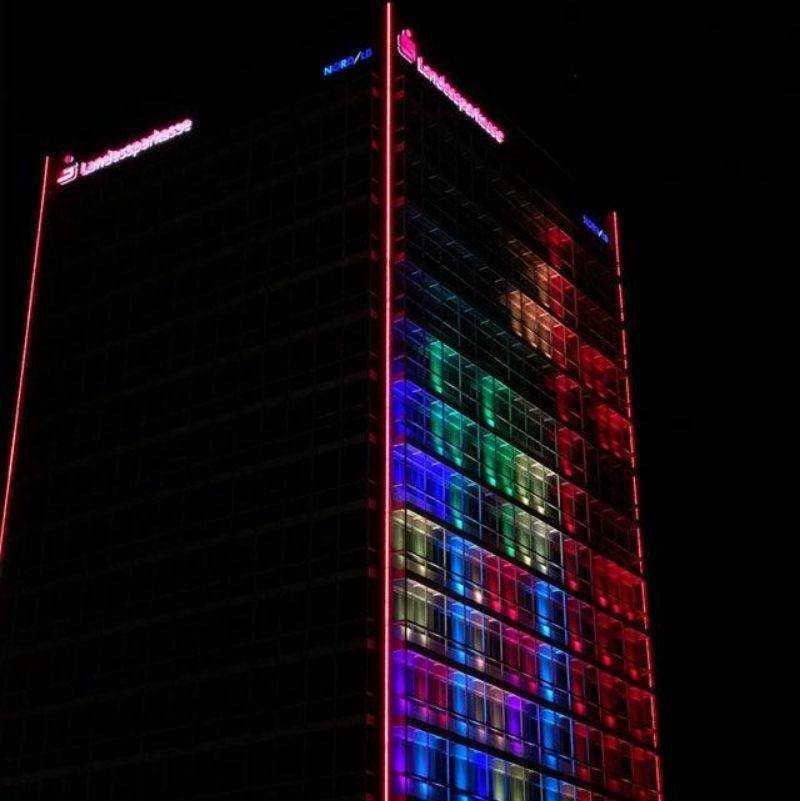 you can play Tetris on a building in Berlin