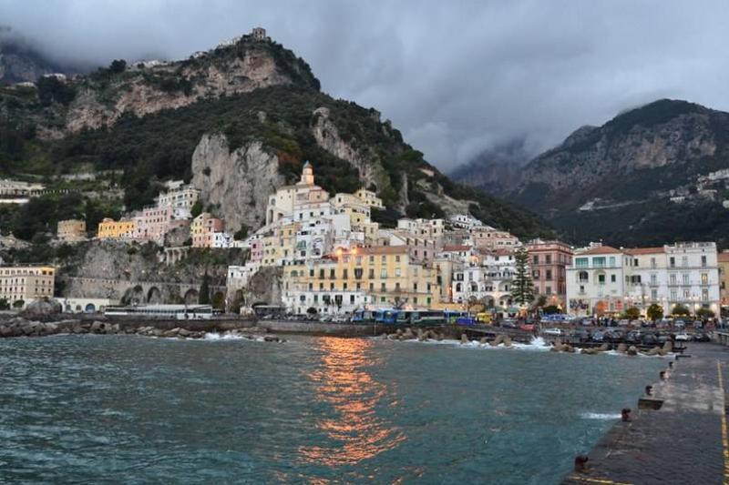 amalfi italy coastal shot