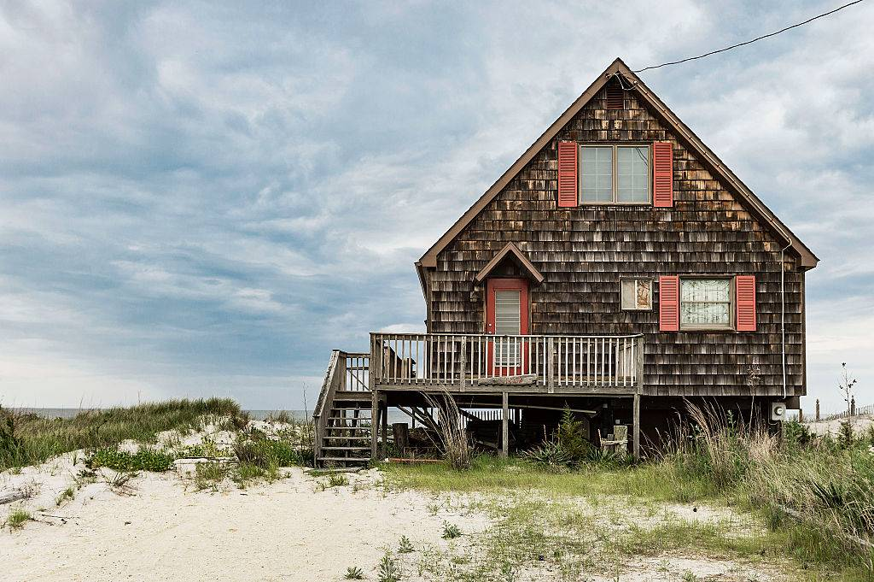 a rustic beach house in Milton, Delaware