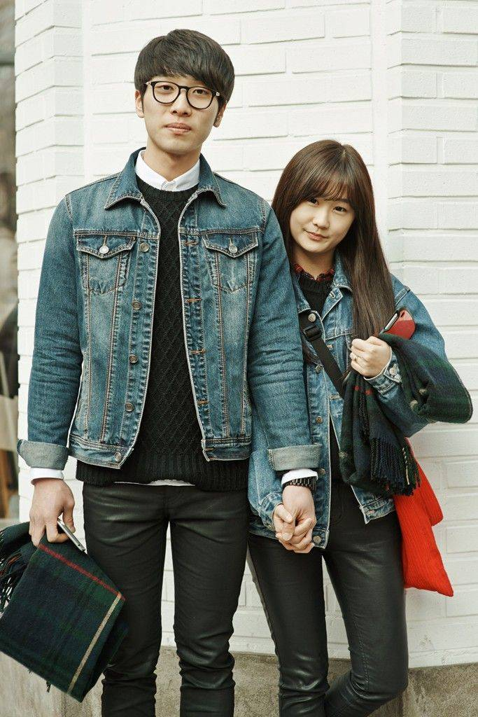 south korean couple matching outfits