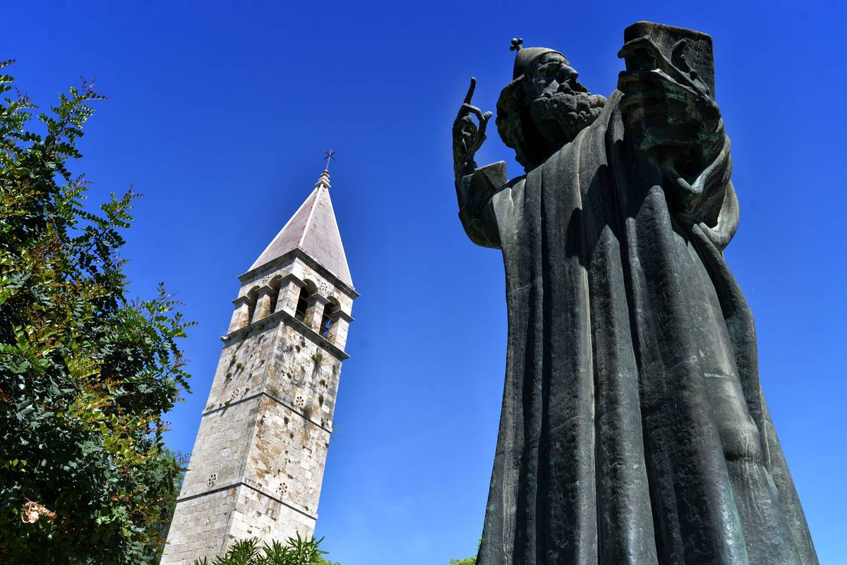 bishop gregory of nin croatia statue in split