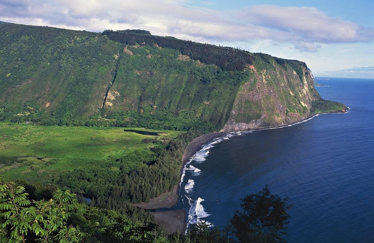 waipio valley hawaii