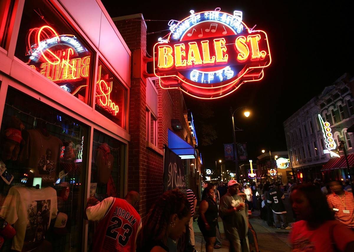 beale street gift shop in memphis