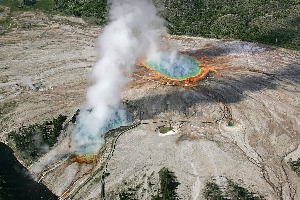 Geyser Basin in Yellow Stone National Park