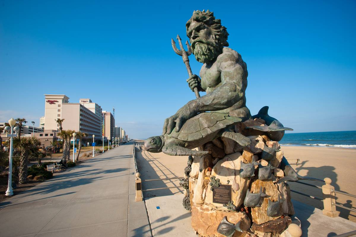virginia beach statue king neptune