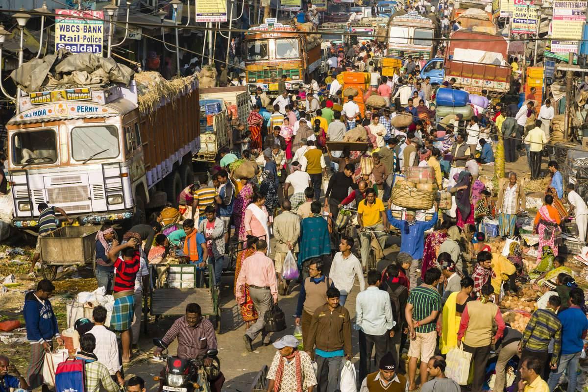 kolkata india people on busy street
