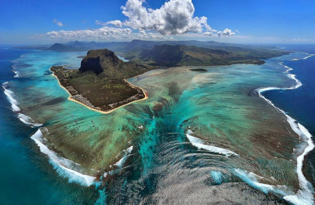 Mauritius beach with the underwater fall