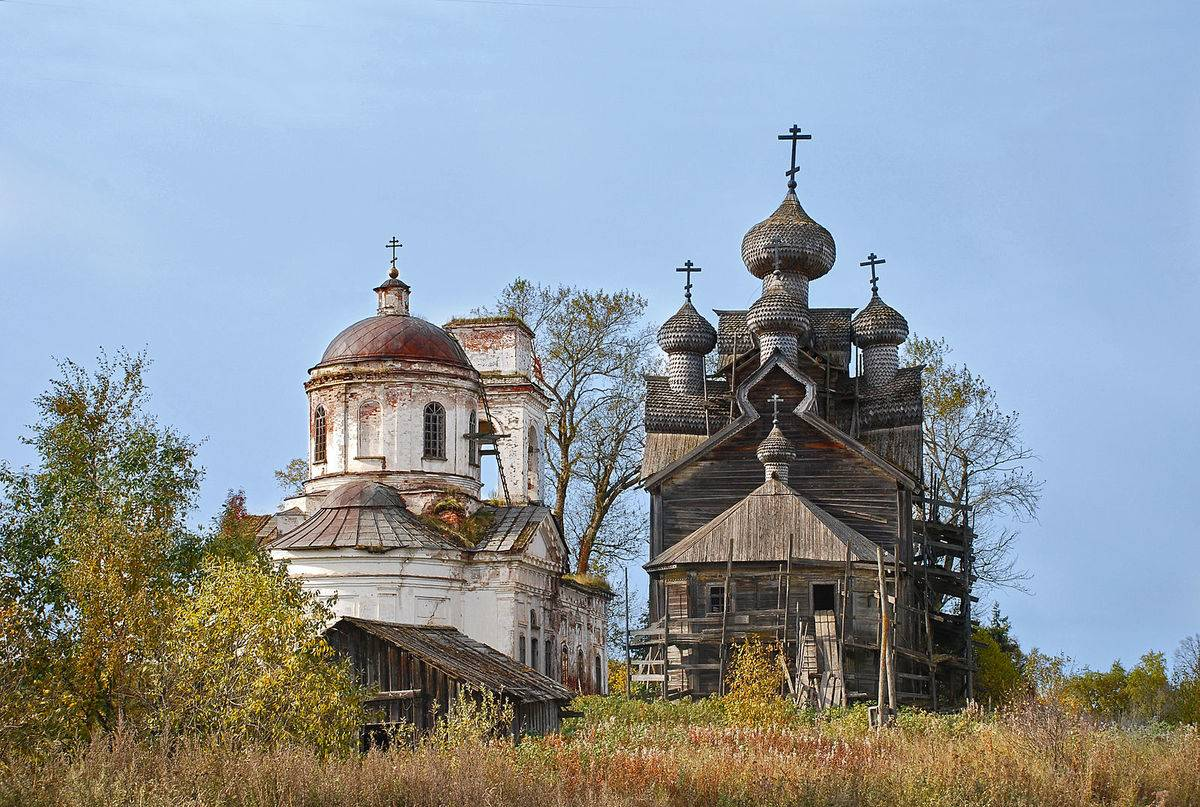 old wooden churches in Russia