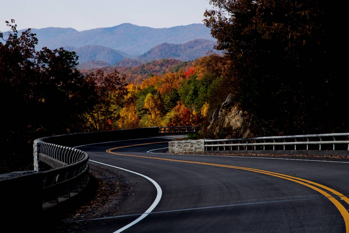 tennessee great smoky mountains national park road fall