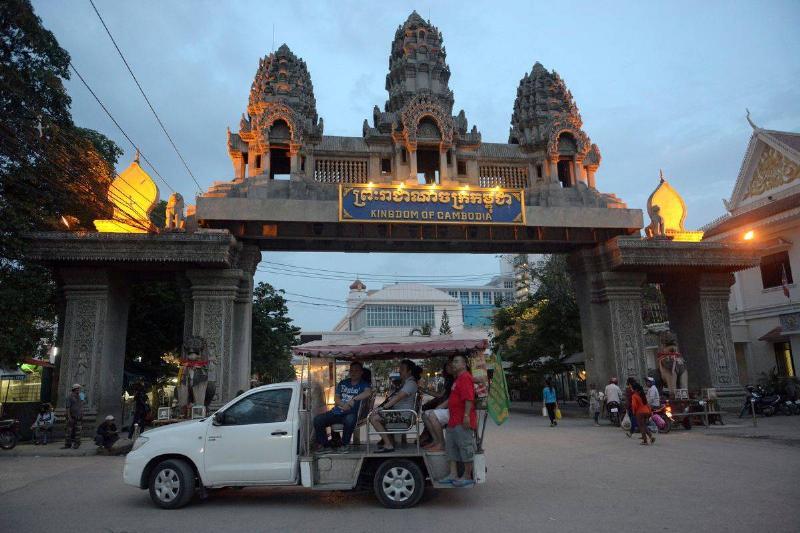 thai cambodia border to poipet